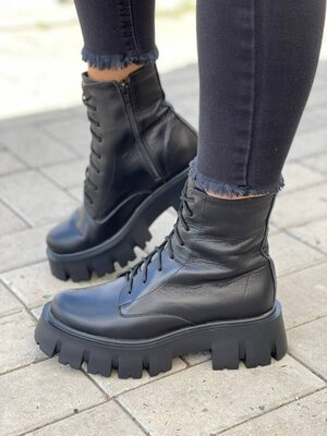Продано: Стильные ботинки из натуральной кожи