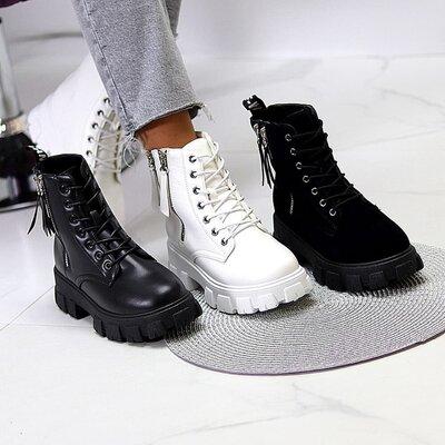 Стильные ботинки деми черные белые