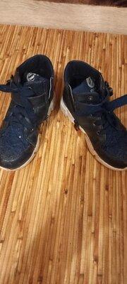 Продано: Ботинки осенние на девочку