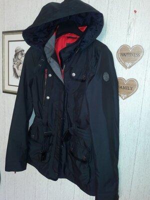 Taifun бомбезная деми куртка р 36 .не промокает