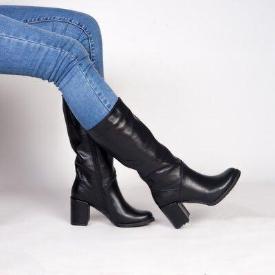 Черные кожаные деми сапоги на каблуке 8 см