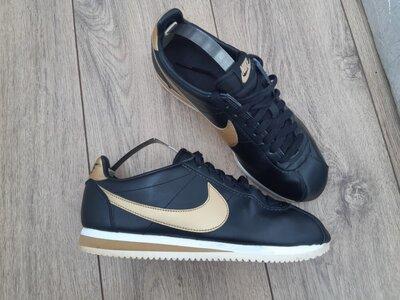 Продано: кросівки Nike Cortez 40p