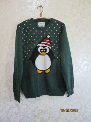Новогодний свитер с пингвином/батал/светр новорічний