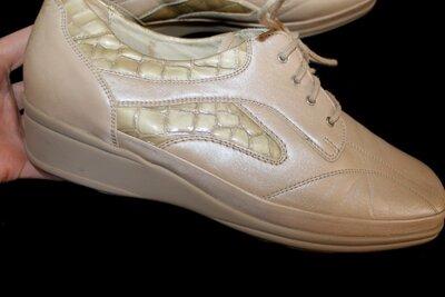 41 разм. Туфли Waldlaufer. Кожа длина по внутренней стельке 27,5 см., ширина подошвы 10,5 см., высот