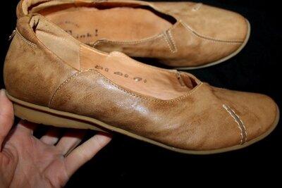 38 разм. Туфли Think. Кожа длина по внутренней стельке 24,5 см., ширина подошвы 9,5 см.